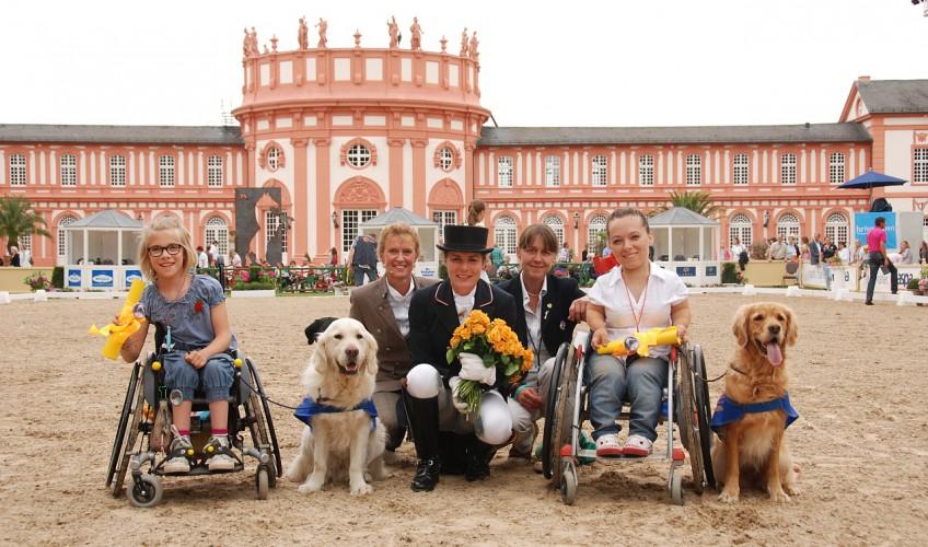 Offizielle Übergabe beim Pfingstreitturnier in Wiesbaden!